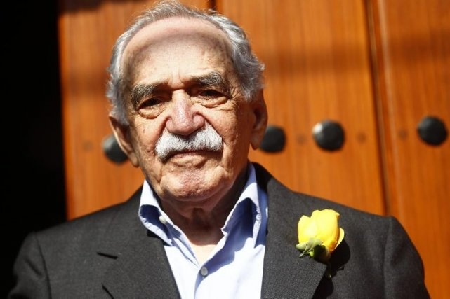 Gabriel Garcia Márquez devant sa maison de Mexico... (Photo: Archives Reuters)