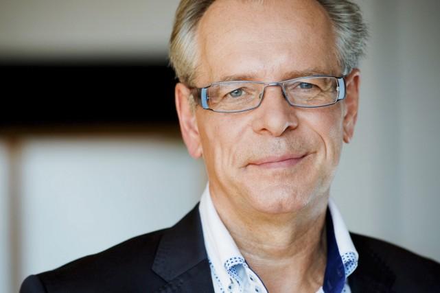 Simon Brault devient le premier directeur francophone en... (Photo: fournie par l'École nationale de théâtre du Canada)