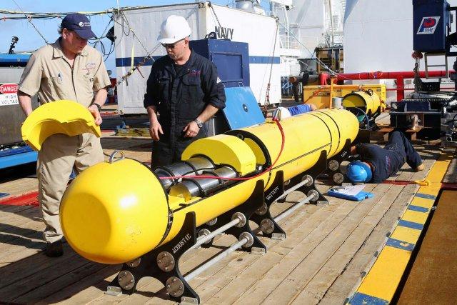 Le robot Bluefin-21, qui a la forme d'une... (PHOTO REUTERS/FORCE DE DÉFENSE AUSTRALIENNE)