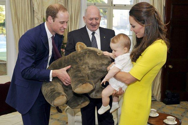 Catherine et les princes George et William en... (PHOTO REUTERS)
