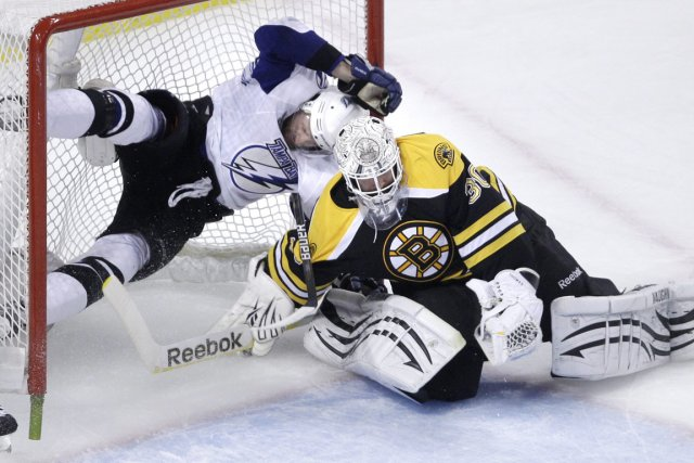 Le Lightning s'est incliné devant Tim Thomas et... (Photo Charles Krupka, archives Associated Press)