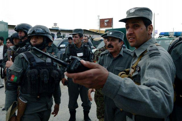 La police a écroué mercredi le tireur présumé... (Photo WAKIL KOHSAR, AFP)