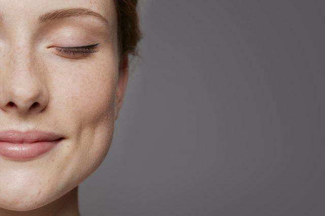 Pour plusieurs, le maquillage permanent est associé au maquillage figé à la... (Photo Masterfile)