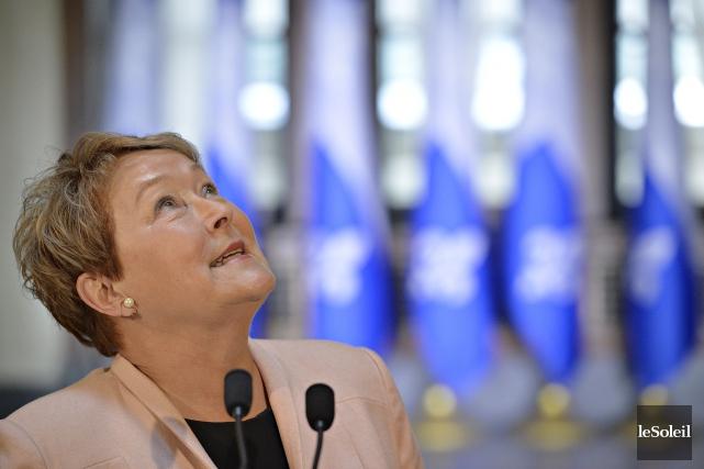 La première ministre sortante PaulineMarois a souhaité à... (Photo Pascal Ratthe, Le Soleil)