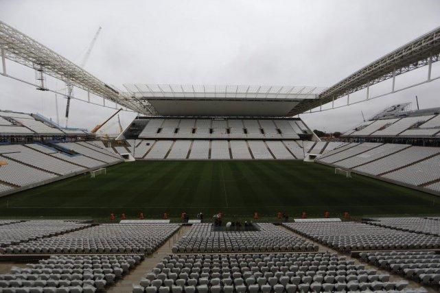 L'Arena Corinthians a été symboliquement inaugurée mardi, bien... (Photo Nacho Doce, Reuters)