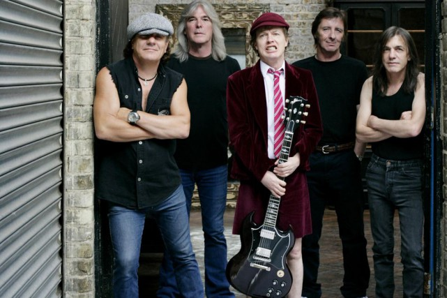 Le groupe AC/DC. Le batteur Phil Rudd est... (Photo: Sony/BMG)