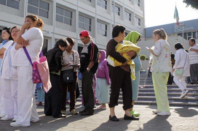 Un hôpital a été évacyé à Puebla, au... (Photo Imelda Medina, Reuters)