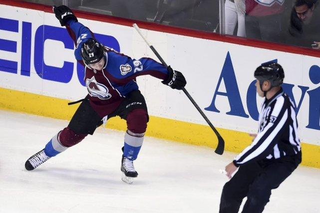 Nathan MacKinnon compte sept points à ses deux... (Photo Ron Chenoy, USA Today)