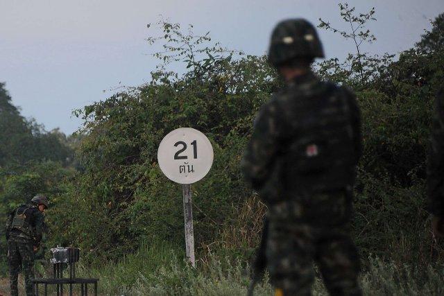 De présumés insurgés dans le sud de la Thaïlande ont tué par balle trois... (Photo MADAREE TOHLALA, AFP)