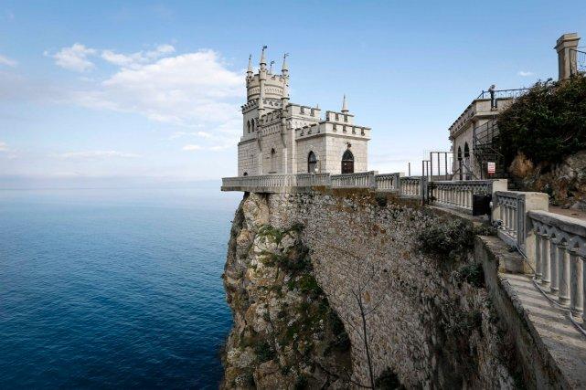 Le château appelé leNid d'hirondelleprès de la ville... (Photo Reuters)