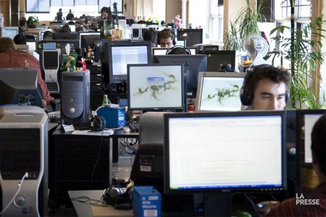 Outre la robotisation qui a transformé le travail... (Photo archives La Presse)
