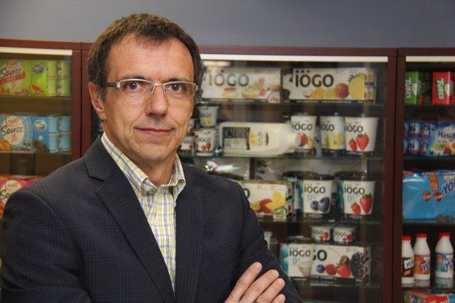 Yves Dion MBA, est directeur projets chez Aliments... (PHOTO JANICK MAROIS, LA VOIX DE L'EST)