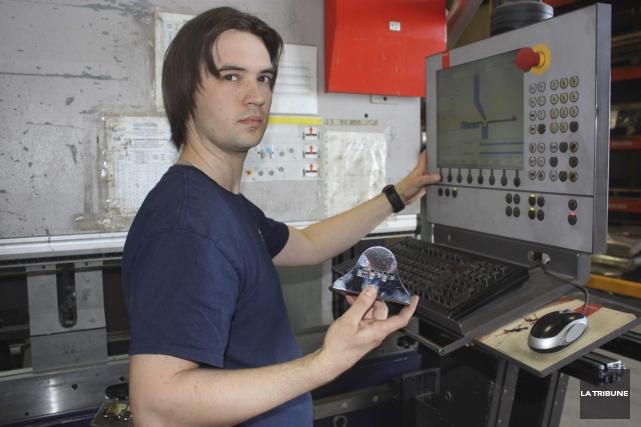 Nicolas Giroux aime la créativité que lui demande... (Photo Yanick Poisson, La Tribune)