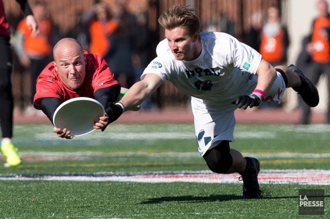 Le nouveau club d'ultimate frisbee, le Royal de... (Photo Robert Skinner, La Presse)
