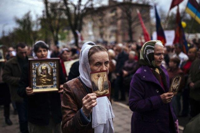 Des manifestations pro-russes ont notamment eu lieu lundi... (Photo: AFP)