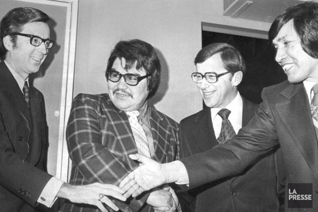 Au début des années 70, Billy Diamond (deuxième... (PHOTO ARCHIVES LA PRESSE CANADIENNE)
