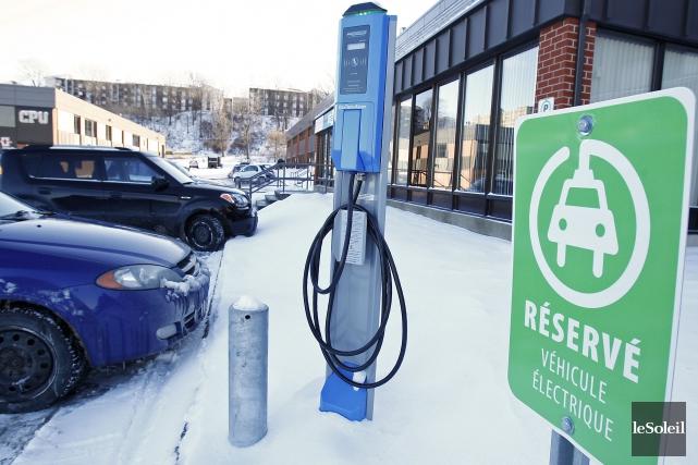 Pour le moment, 8500 véhicules électriques ou hybrides... (Yan Doublet, Archives Le Soleil)