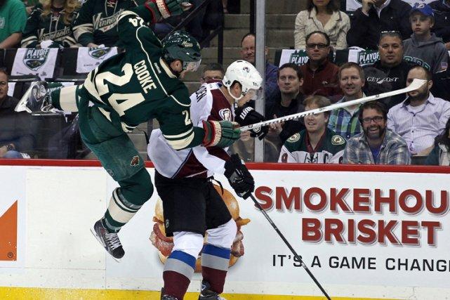 Matt Cooke a plusieurs fois été sanctionné pour... (Photo: Reuters)