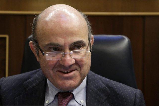 Le ministre espagnol de l'Économie Luis de Guindos.... (PHOTO ANDREA COMAS, ARCHIVES REUTERS)