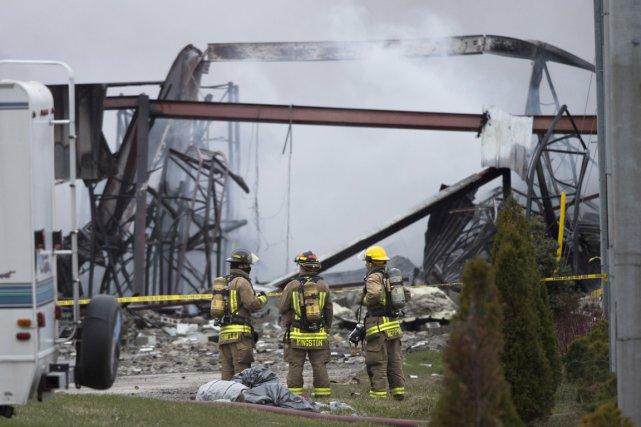 L'une de personnes blessées est un pompier qui... (Photo La Presse Canadienne)