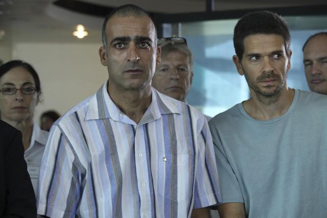 Les deux soldats des Prisonniers, Nimrod Klein et... (Photo: fournie par ARTV)