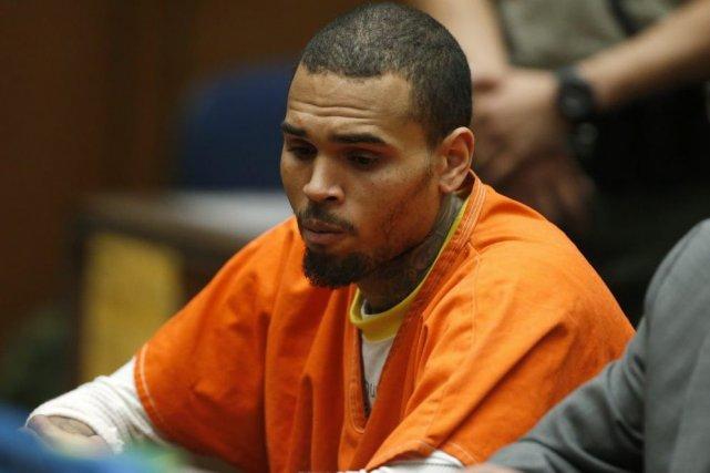 Chris Brown lors de son passage en cour... (Photo: archives Reuters)