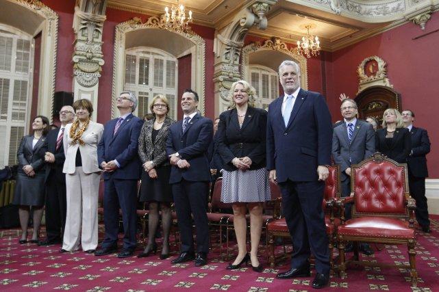 Les 26 ministres du cabinet Couillard... (Photo MATHIEU BELANGER, Reuters)