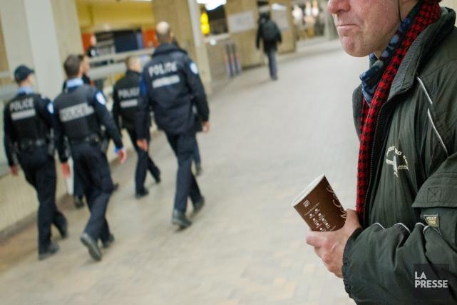 Les policiers et policières de Montréal font l'impossible... (Photo Edouard Plante-Fréchette, archives La Presse)