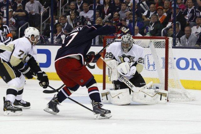 Brandon Dubinsky a créé l'égalité avec 22,5 secondes à faire en temps... (Photo USA Today Sports)