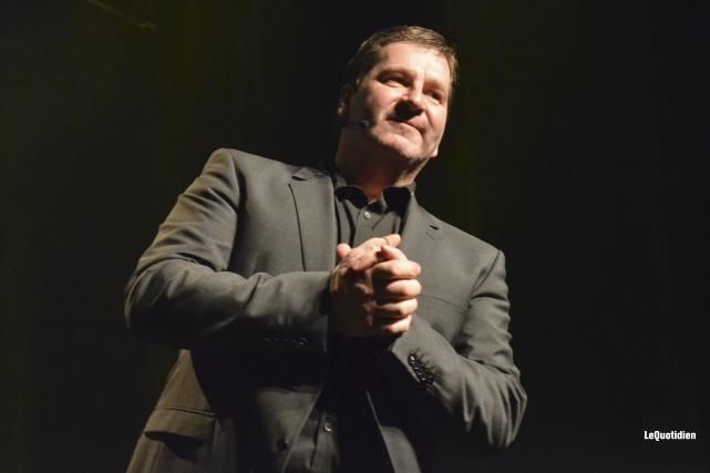 Mario Jean offre un spectacle simple en abordant... (Photo: Louis Potvin, Le Quotidien)