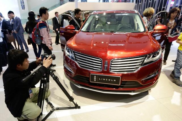 Ford a annoncé qu'il allait commencer à vendre... (Photo Jason Lee, Reuters)