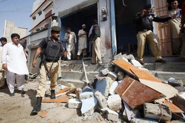 Un attentat-suicide dans un marché de Karachi (sud),... (PHOTO ATHAR HUSSAIN, REUTERS)