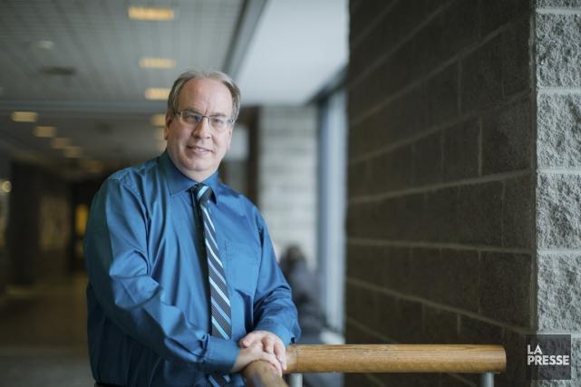 Denis Morin, professeur chercheur en gestion des ressources... (PHOTO EDOUARD PLANTE-FRECHETTE, LA PRESSE)