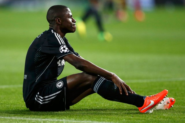 Ramires... (Photo Javier Barbancho, Reuters)