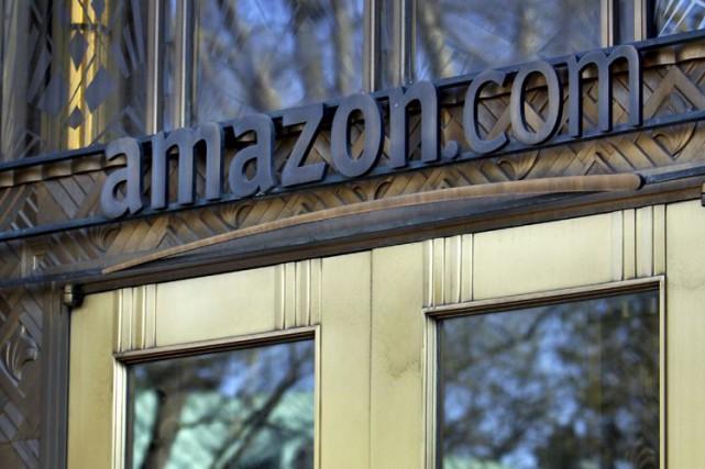 Le géant américain de la distribution en ligne Amazon a dévoilé lundi un... (Photo Archives Bloomberg)