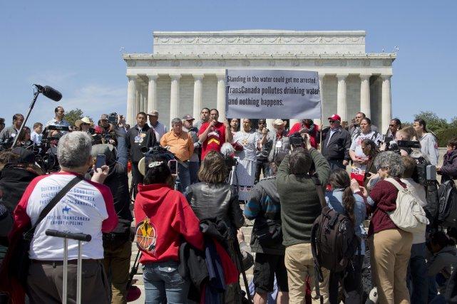 Une représentation du débat tumultueux qui se déroule aux États-Unis autour du... (Photo Manuel Balce Ceneta, AP)
