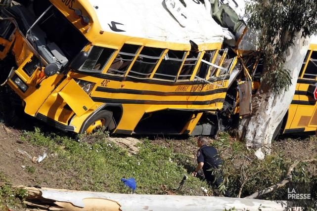 Au moins 13 personnes ont été blessées, jeudi, dans un accident impliquant un... (Photo ALEX GALLARDO, Reuters)