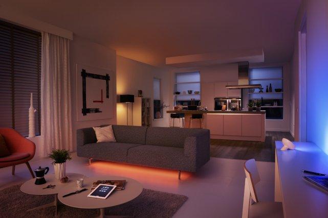 Insuffisant pour éclairer une pièce, le LightStrips mettra... (Photo fournie par Philips)
