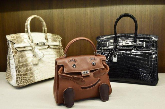 Les sacs aux enchères peuvent être extrêmement récents,... (PHOTO STAN HONDA, AFP)