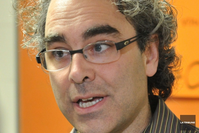 Le fiscaliste Luc Godbout... (Archives La Tribune, René Marquis)