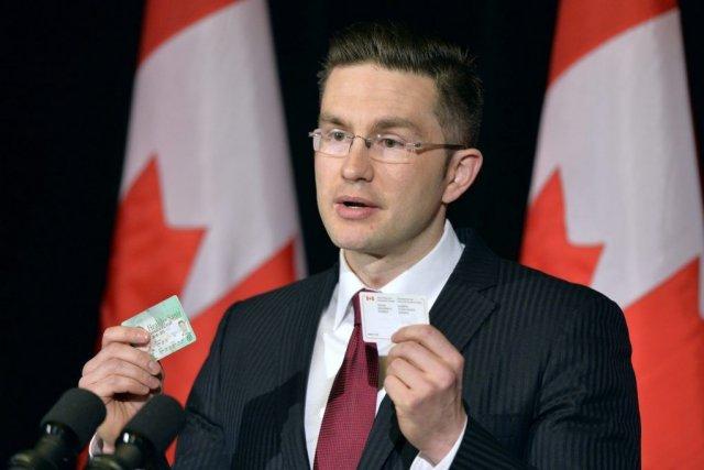 Le ministre Poilievrea affirmé que son gouvernement était... (PHOTO LA PRESSE CANADIENNE)