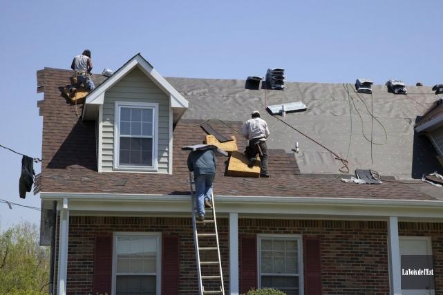 La finition du toit est une dépense admissible... (Photo Archives La Voix de L'est)