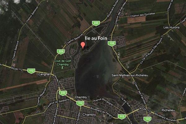 L'ile au Foin, nichée entre le bassin de... (maps.google.ca)