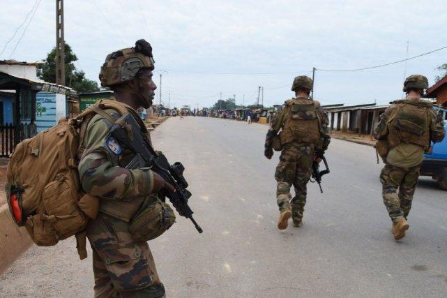 Des soldats français, faisant partis de l'opération Sangaris,... (Photo ISSOUF SANOGO, Archives AFP)