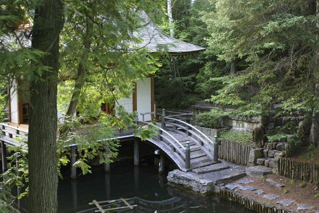 Un jardin extraordinaire larry hodgson horticulture for Jardin extraordinaire
