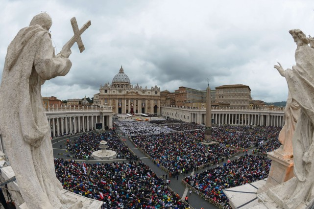 L'histoire montre que l'Église a eu raison de... (PHOTO VINCENZO PINTO, AFP)
