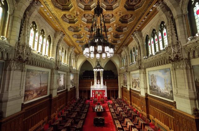 Seize des 105 sièges du Sénat sont actuellement... (PHOTO CHRIS WATTIE, REUTERS)