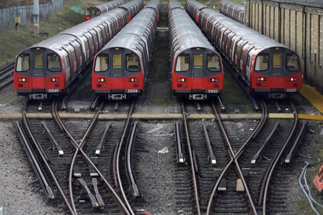 Les salariés du métro londonien ont entamé lundi soir une grève de 48 heures... (Photo: AP)