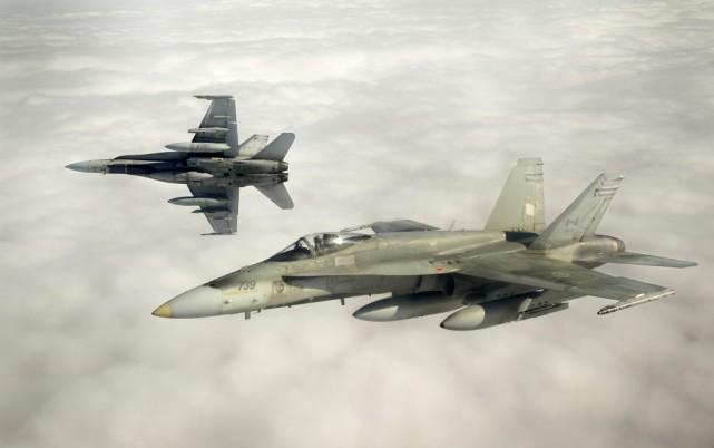 Des chasseurs CF-18.... (Photo archives Reuters)