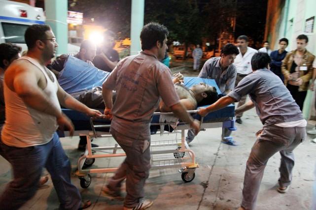 Les attentats de lundi ont visé des convois... (PHOTO YAHYA AHMAD, REUTERS)